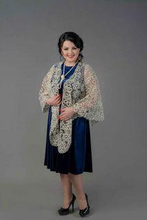 Scarf-a drape lace