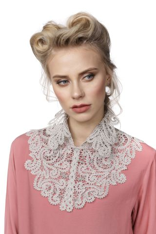 Chic collar No. 55, Madame Cruje