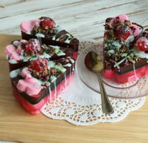 Cake with Roses - author's solid shower gel