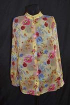 Women's blouse from natural flax