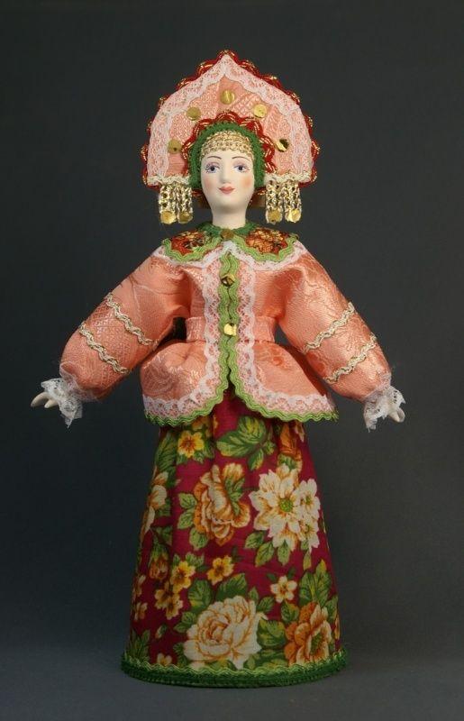 Doll gift porcelain. Center. Russia. Women's festive costume. 18-19 century.
