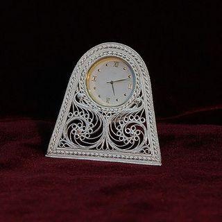 Kazakovskaya Filigree / Clock on an oval stand