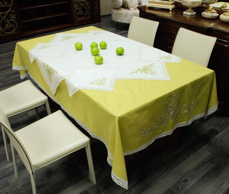 Set of table linen with machine lace around the perimeter