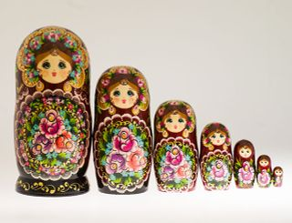 Matryoshka 7 seats Flower with acrylic Souvenir