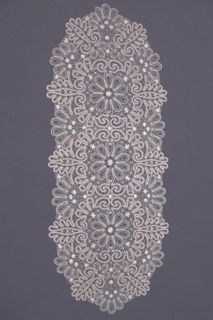 Tablecloth oval lace with floral pattern