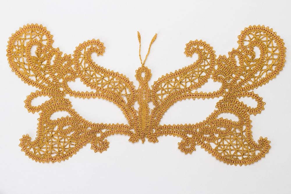 "Lace mask ""moth"" gold"
