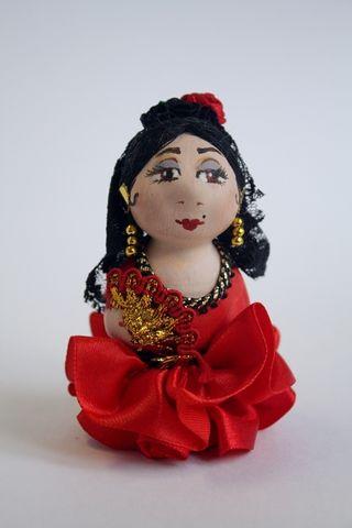 Doll-poteshka gift porcelain. Epanechka.