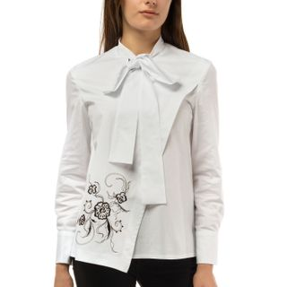 "Blouse female ""Flora"" of white color of a geometric form with a pattern"