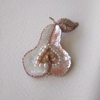 "Brooch Pear ""Tender"". Handmade"