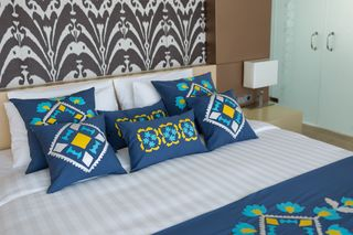 LA`AL Textiles / Bed runner - blue (a)