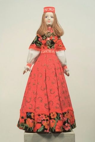 Doll gift. Estonian female costume 19th century. Region: Leenemee