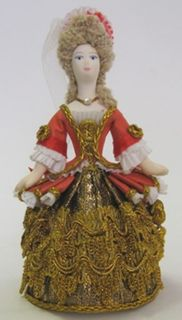 Doll gift. Lady in court dress Late 17th - early 18th century. Box
