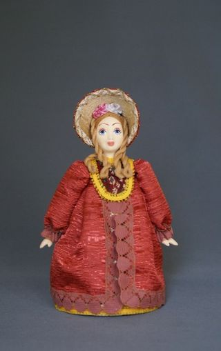 Doll gift porcelain. The young lady in a secular costume. The European fashion. 2nd quarter 19th century, Petersburg.