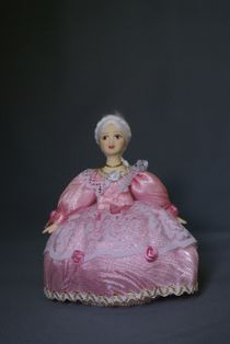 Doll gift porcelain. Lady-in-waiting. The mid-18th century - Europe
