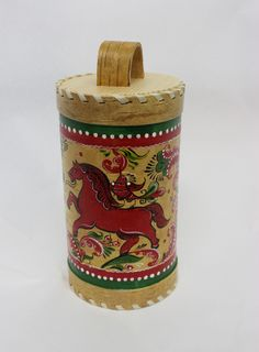 """Box of birch bark """"Severodvinsk painting"""" the height of 19 cm"""