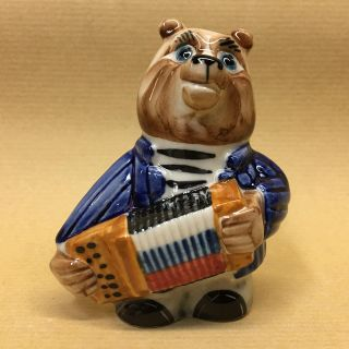 "Porcelain figurine ""Bear with an accordion"""
