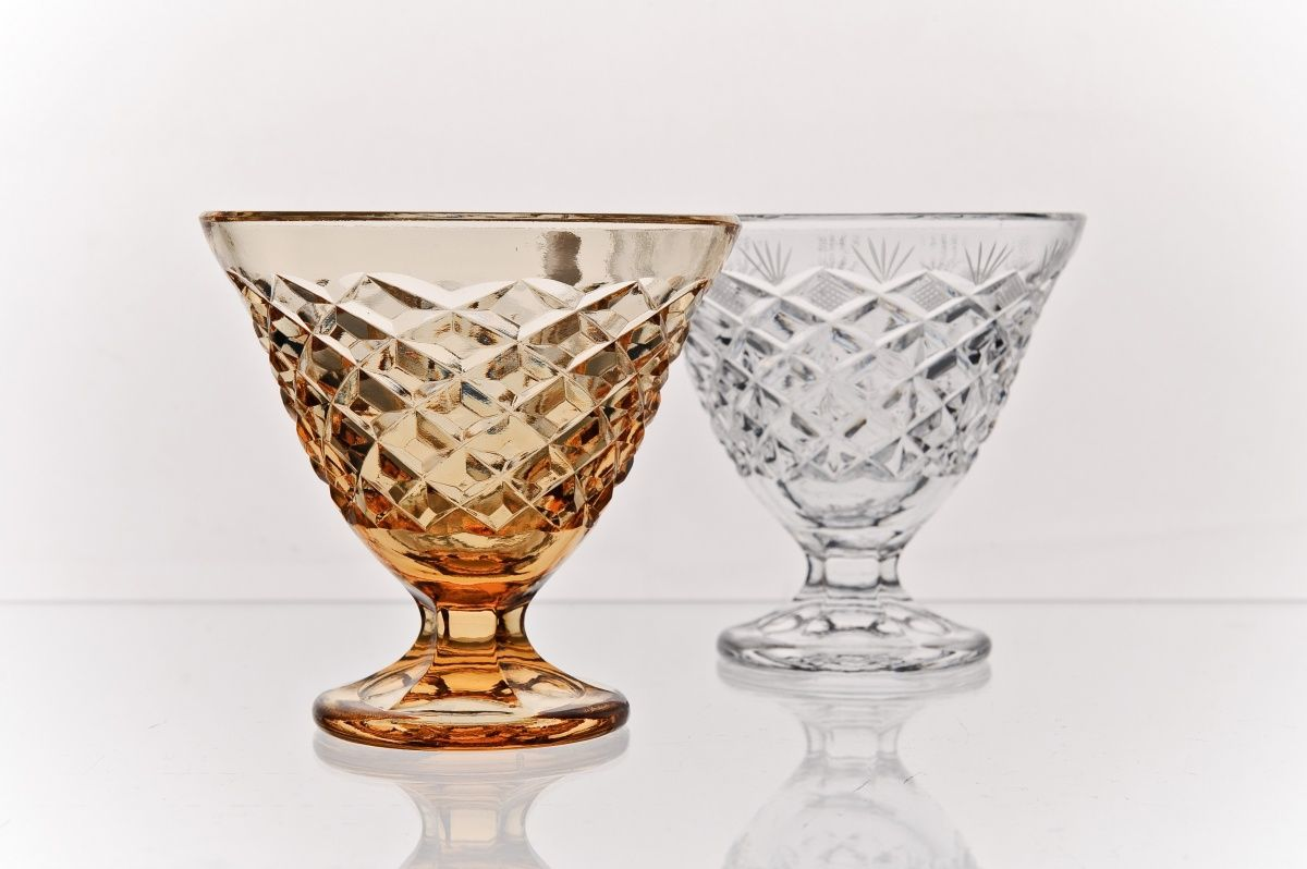 Crystal vase for cream amber