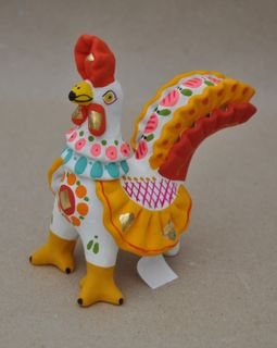 Cockerel with bunk frills on the tail, Dymkovo clay toy