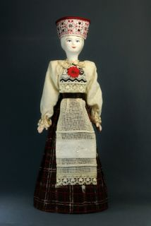 Doll gift porcelain. Livonia lips. The Estonian girl's costume with sanjoy. Late 19th - early 20th century.