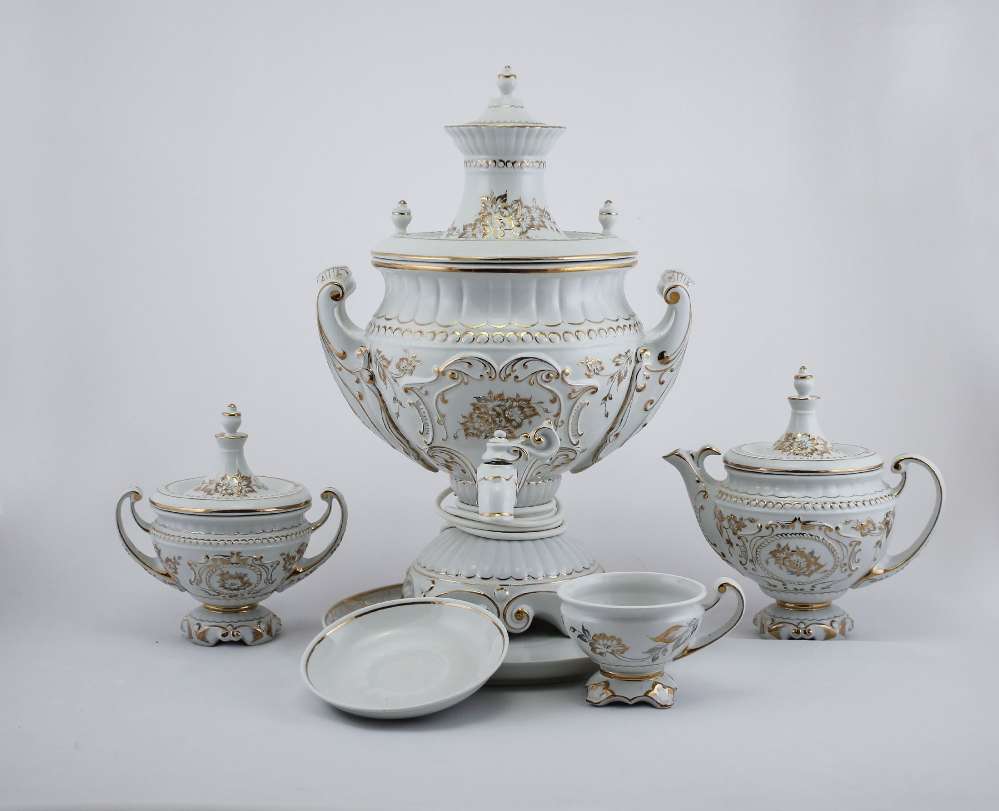 Delta-X / Porcelain electric samovar model 2 with tea pairs