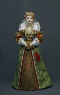 Doll gift. Women's court dress. The Swedes.