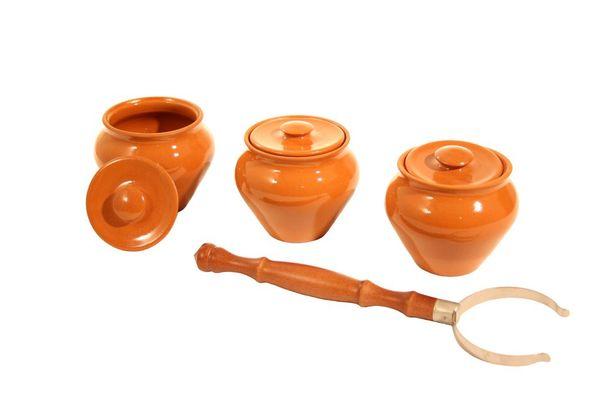 Vyatka ceramics / Set 1/3, 3 pots, 0.7 l each. (terracotta)
