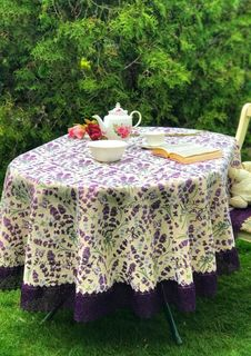 Tablecloth with lace Lavender