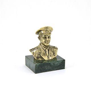 """Bust """"Yuri Gagarin"""""""