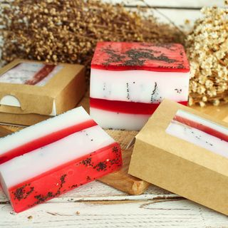 Raspberry Biscuit - handmade soap with the aroma of raspberries, fresh pastries and green tea