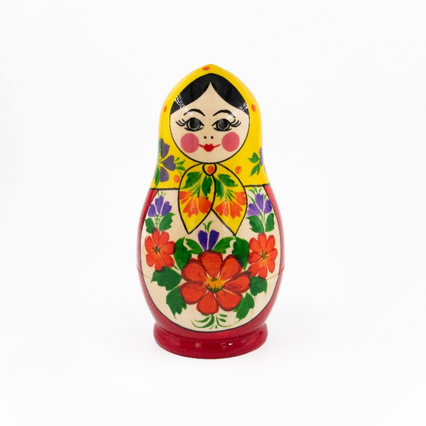 Grushenka is a traditional Russian doll 5 dolls